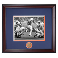 1984 Sugar Bowl - Bo Jackson runs past Michigan Wolverines Black and White Photo
