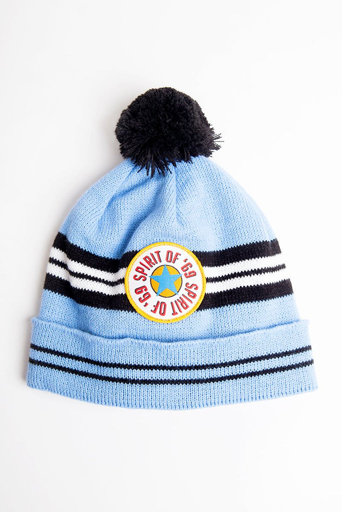 spirit of 69 newcastle united replica wooly bobble hat. 1996 blue nufc away kit with brown ale badge. Geordie gifts headwear