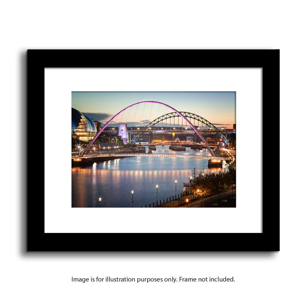 newcastle upon tyne, quayside bridges. Rive Tyne reflections. Millenium bridge, tyne bridge, sage gateshead. Framed print artwork and photography