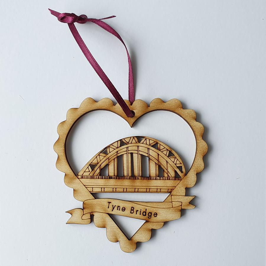 Tyne bridge newcastle upon tyne geordie christmas tree decoration baubles