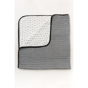 Black & White Quilt - Boutique Wanderlust