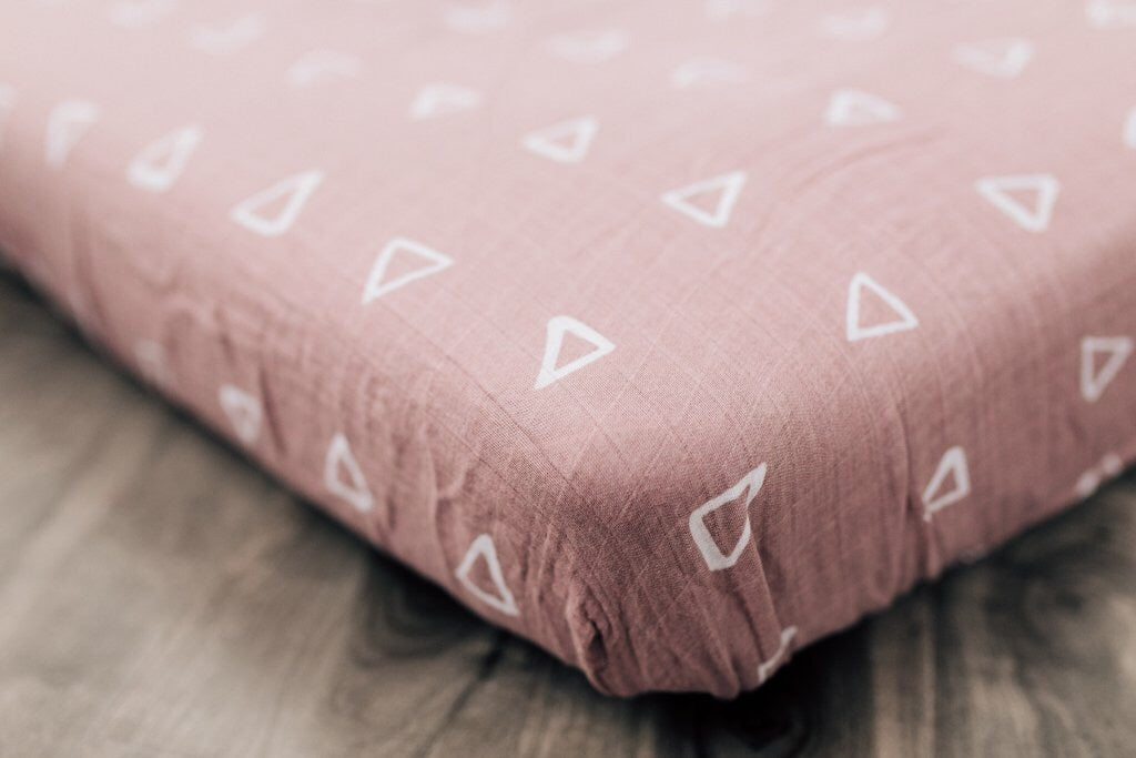 Blush triangle Crib sheet - Boutique Wanderlust