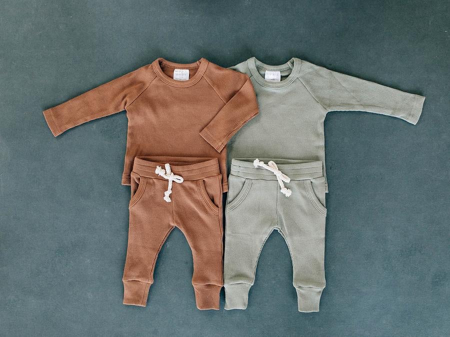 Organic Cotton Rust Ribbed Two-piece Pocket Set