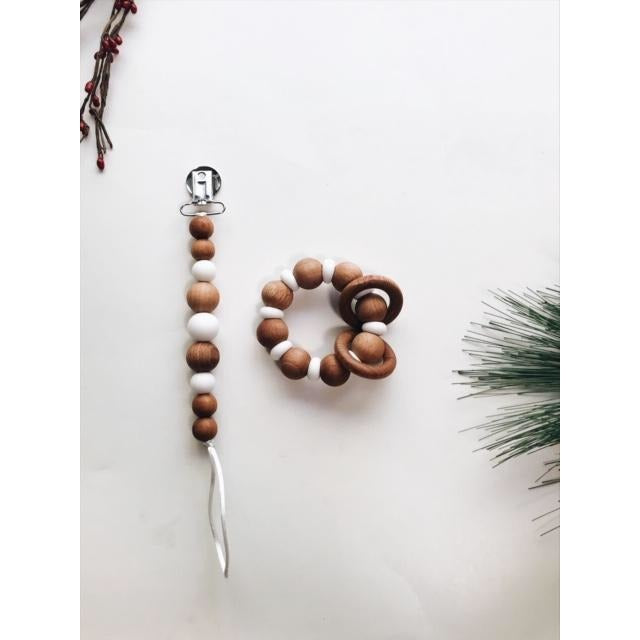 Eleanor Wood & Silicone Pacifier Clip - Boutique Wanderlust