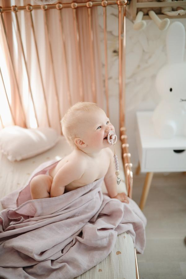 Extra Soft Muslin Crib Sheet (Rainbows)