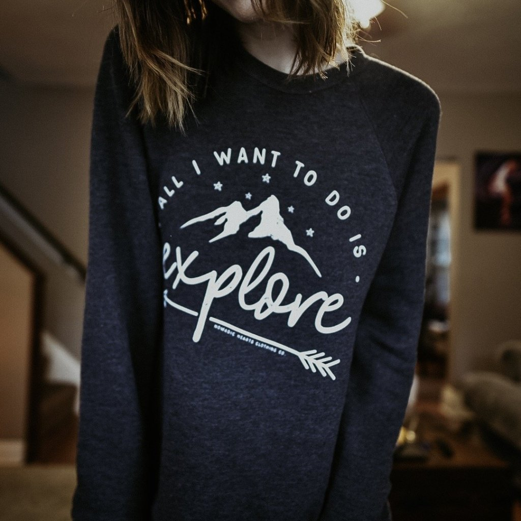 ★ NEW ★ explore fleece crewneck
