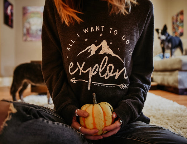 explore fleece crewneck