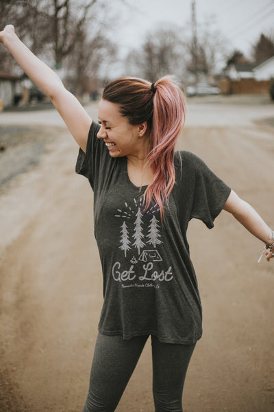 nomadic hearts clothing co. get lost flowy raglan tee. photography by taylor sumner