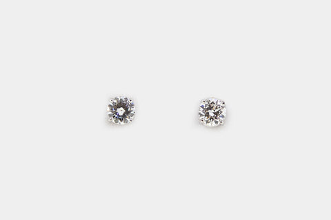 Round Cut Diamond Studs
