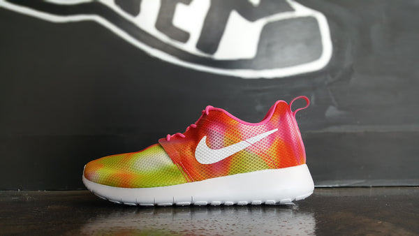 "Nike Roshe One Flight Weight ""Pink Pow"""