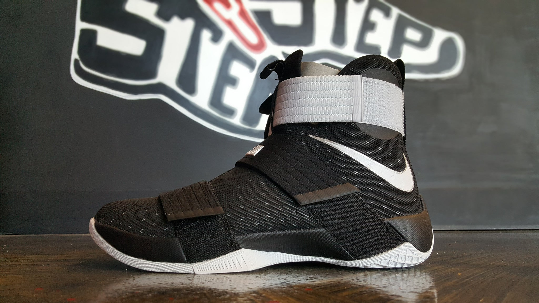 "Nike LeBron Soldier 10 ""Team Black"""