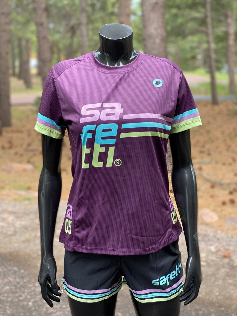 GREAT DEAL DON'T MISS IT - Safetti Vintage Running Kit. Women