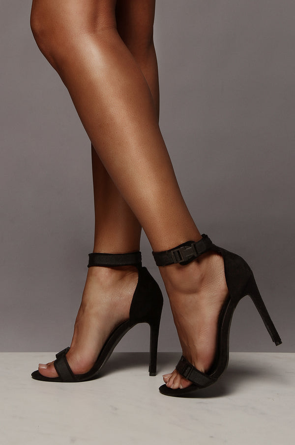 Black Strapped In Robin Heel