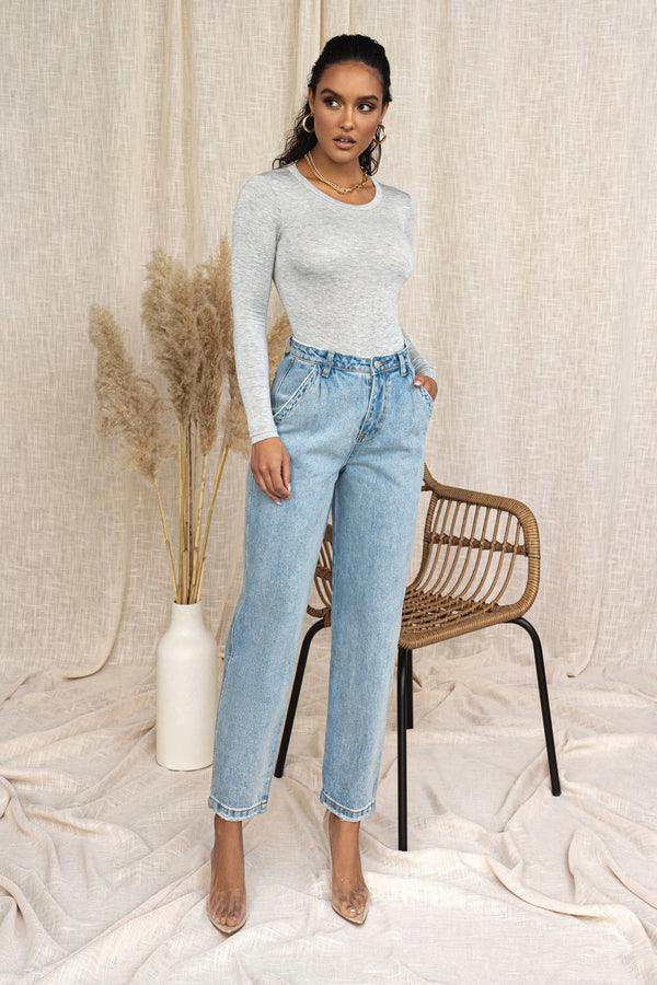 Light Wash Relaxed Jeans