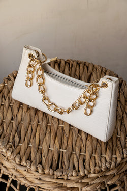 WHITE SEPTEMBER CHAIN BAG