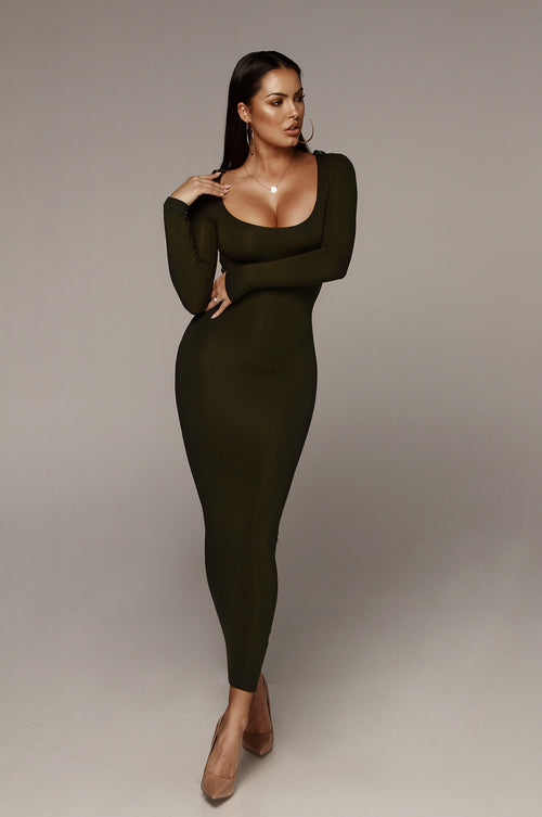 Olive Cassandra James JLUXBASIX Scoop Neck Dress