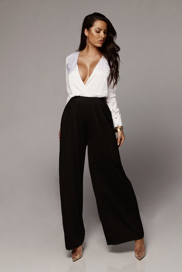 Black Half Dollar Pleated Wide Leg Pant