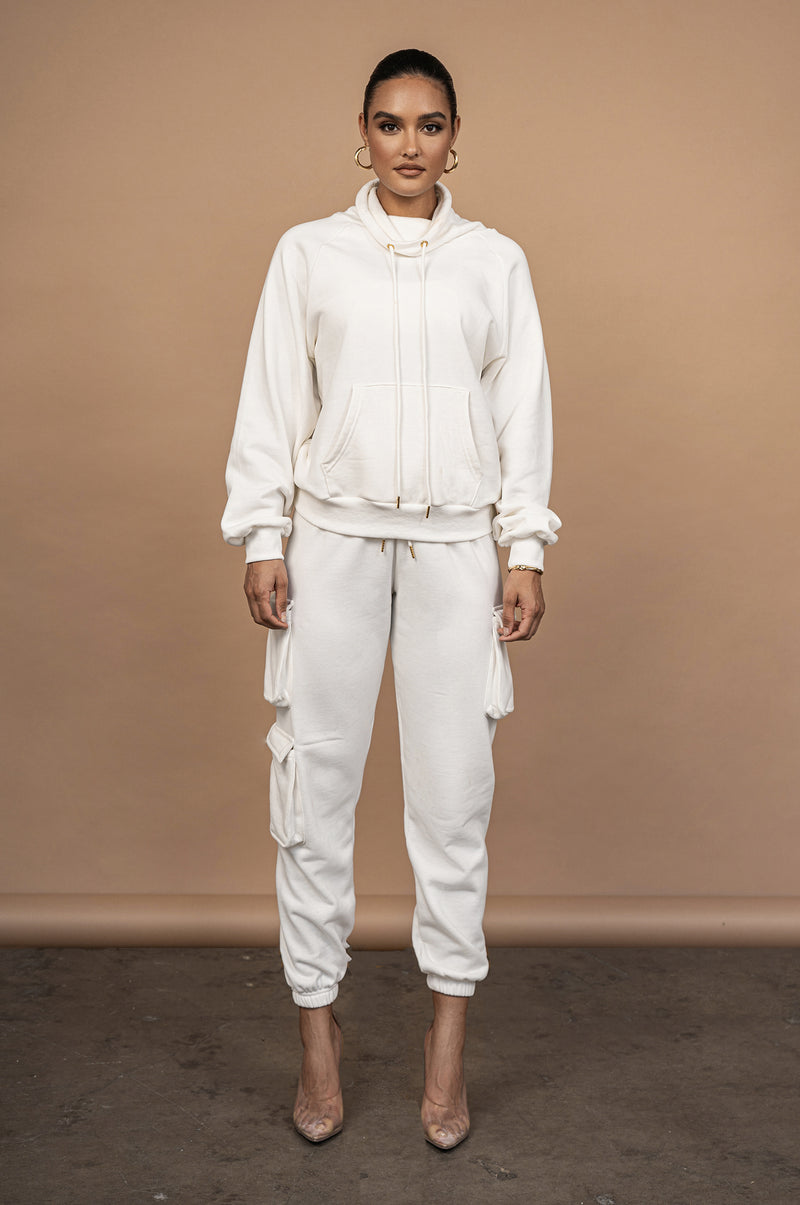IVORY UNISEX TEARLY OVERSIZED PULLOVER