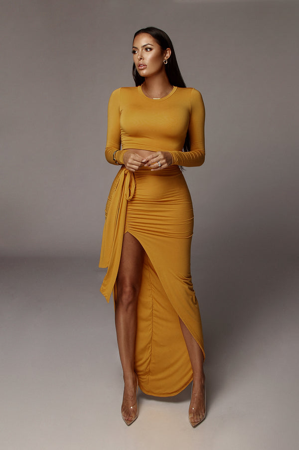 JLUXBASIX MUSTARD MARCIA SMOOTH CROP TOP