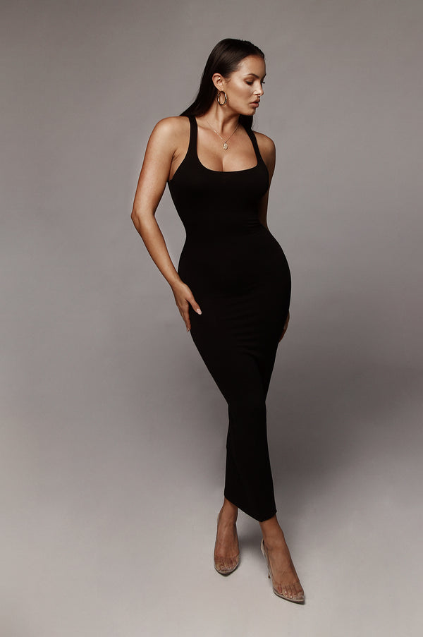 Black Leeya Scoop Neck Maxi Dress