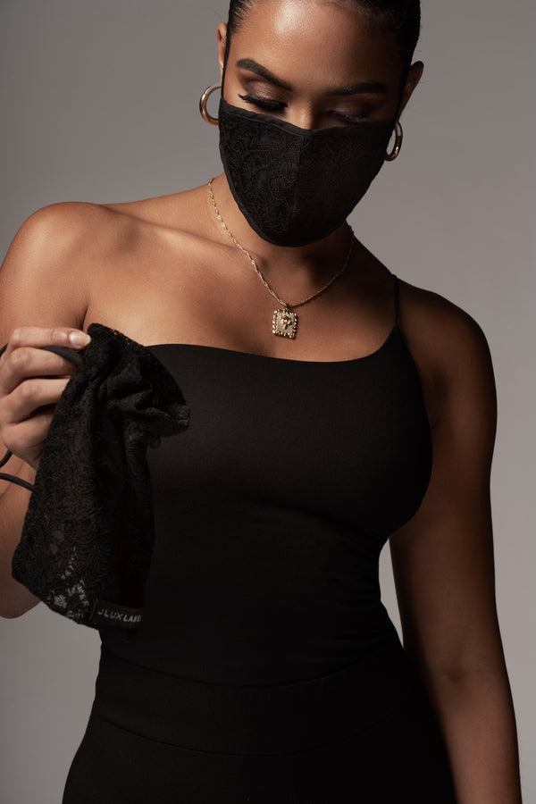 BLACK TEMPTED LACE MASK