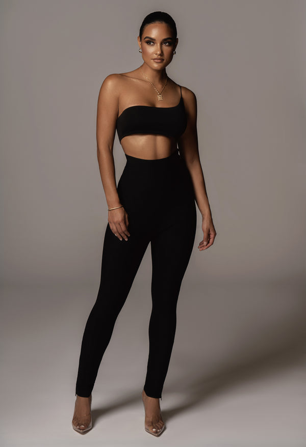 JLUXBASIX BLACK COURTNEY ONE SHOULDER CROP TOP