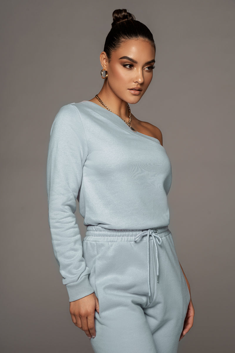 SKY BLUE AADI ONE SHOULDER FLEECE TOP