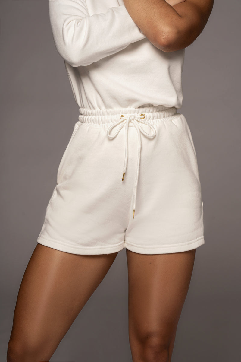 WHITE DREW FLEECE UNISEX SHORTS