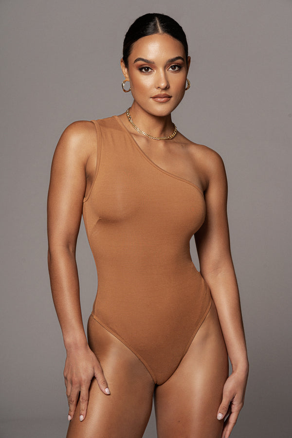 PECAN RUTHI ONE SHOULDER BODYSUIT