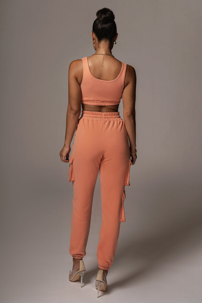 CORAL NADALA FEECE CROP TOP