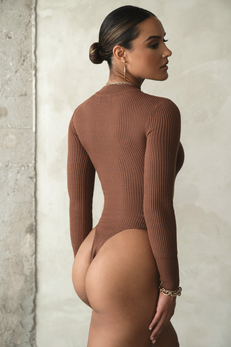 CHOCOLATE SAVAY TURTLENECK RIBBED BODYSUIT