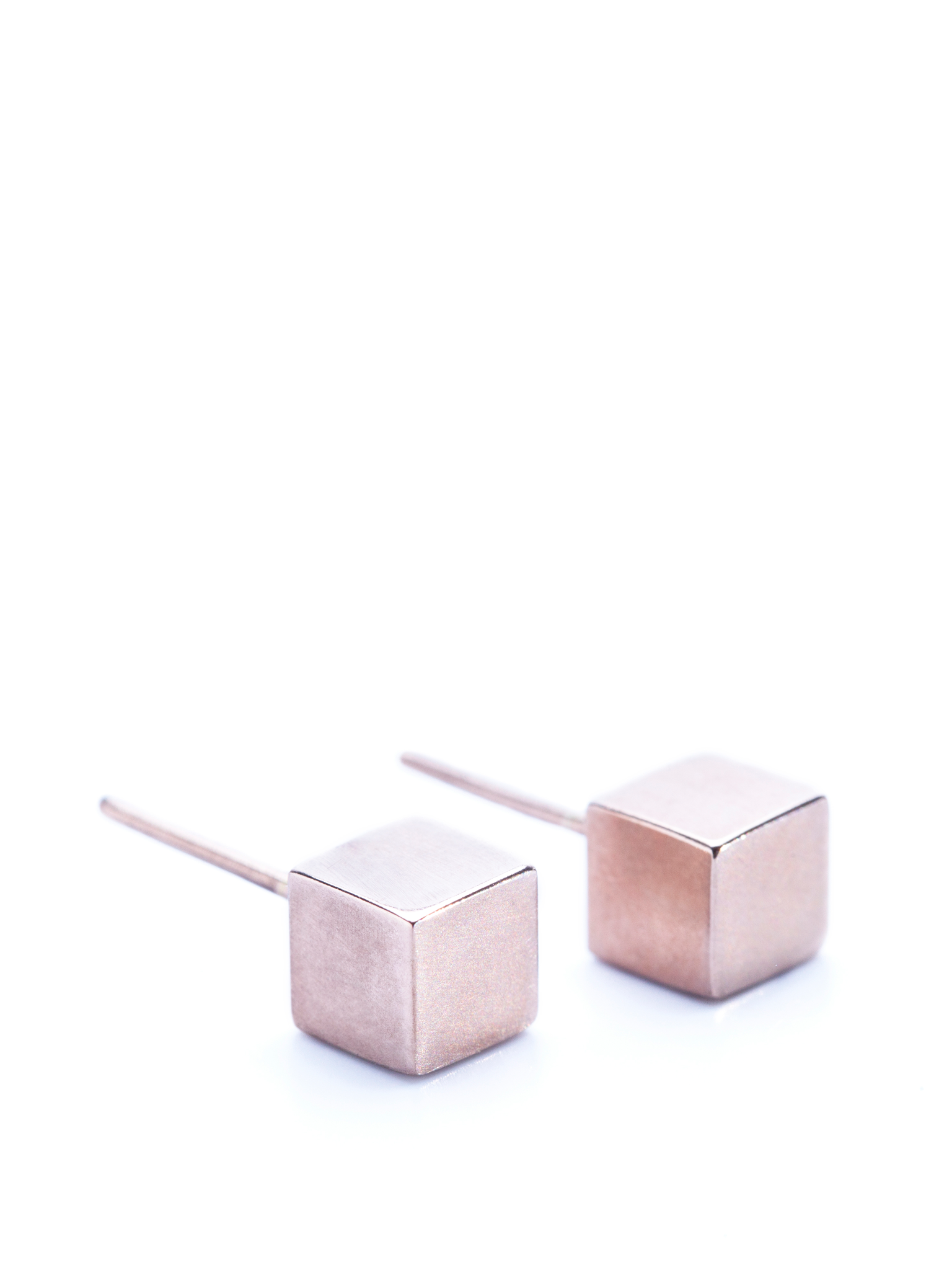 Rosé Cube earrings