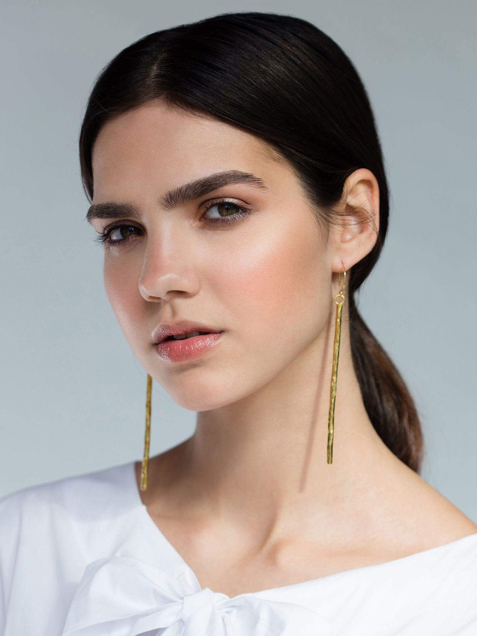 CLEAN LANES - Hammered stick earrings L