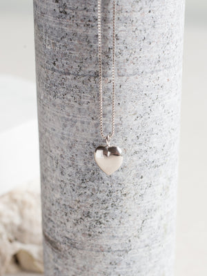 CIRCLE LINES - Silver heart necklace