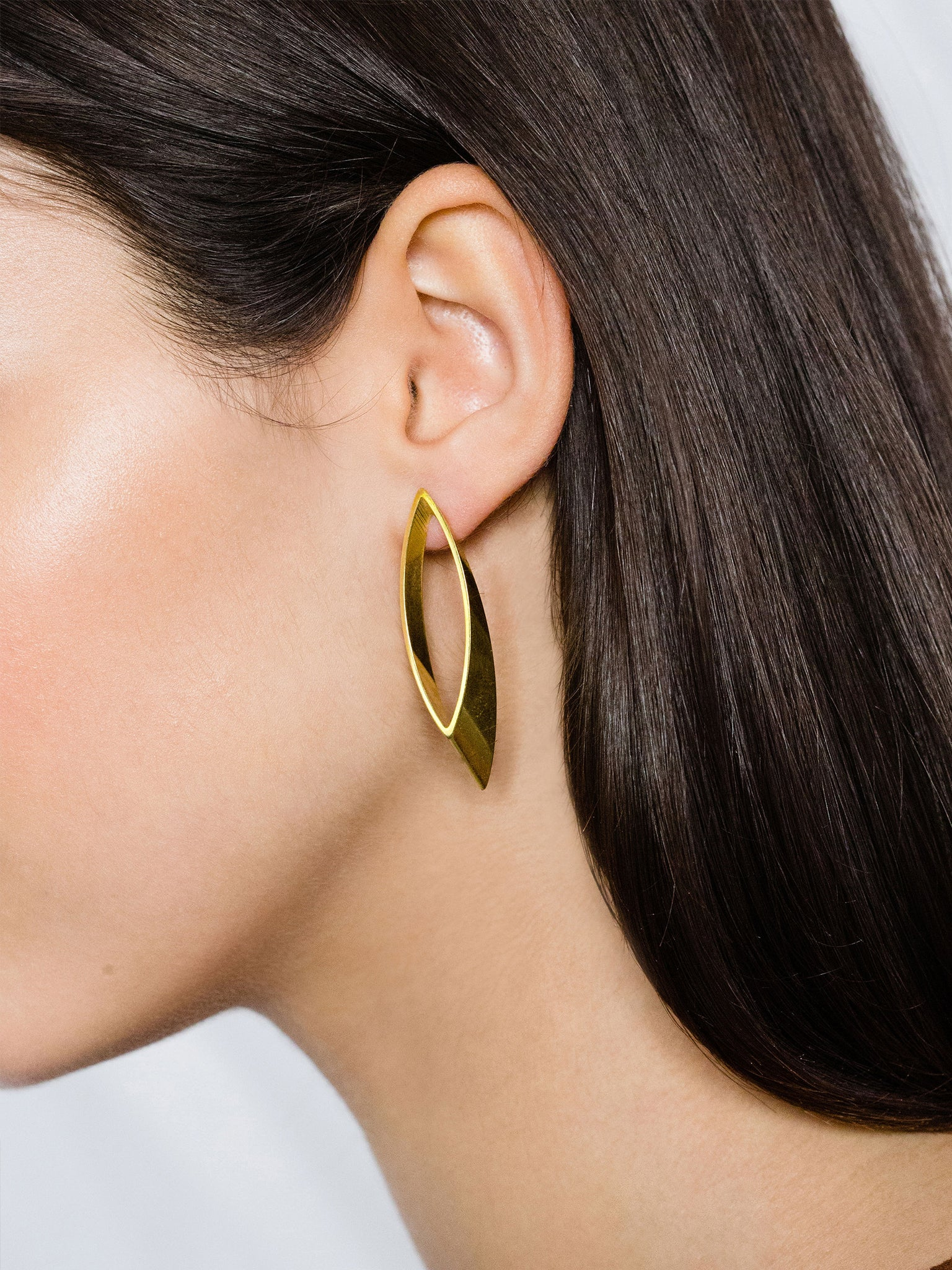PURE GEOMETRY - Leaf earrings