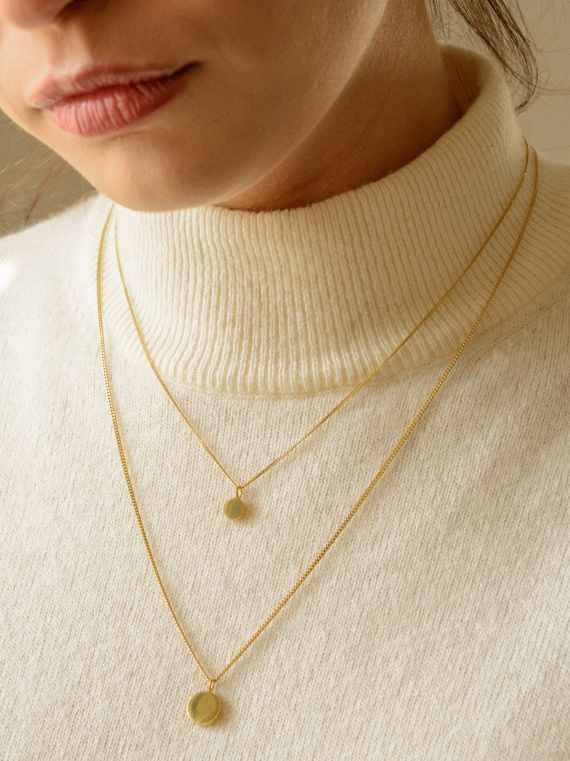 CIRCLE LINES - Disk necklace