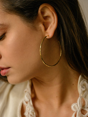CLEAN LANES - Hammered thin circle hoops