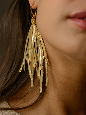 ECHO CHIC - Hammered grass earrings Rhodium