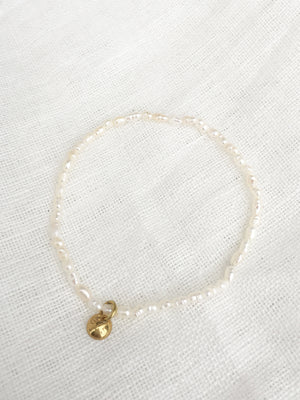 CIRCLE LINES - Thin freshwater pearl bracelet