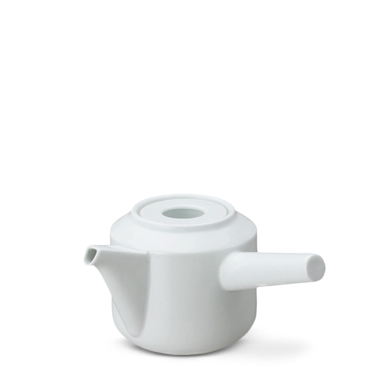 Leaves to tea kyusu teapot white