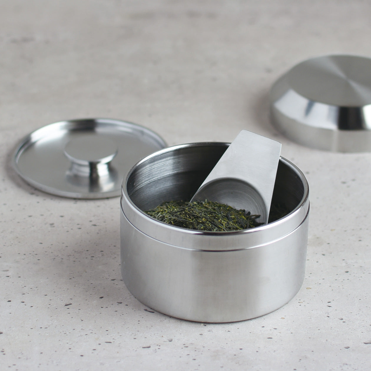 LEAVES TO TEA canister
