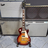 Epiphone Les Paul Classic is Gloss- Cherry Burst