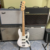 Fender Player Jazz Bass, Maple Fingerboard, Polar White