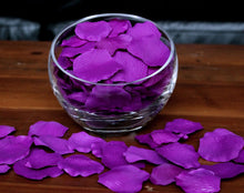 Load image into Gallery viewer, Violet Silk Rose Petals, Value Pack 1000 Petals