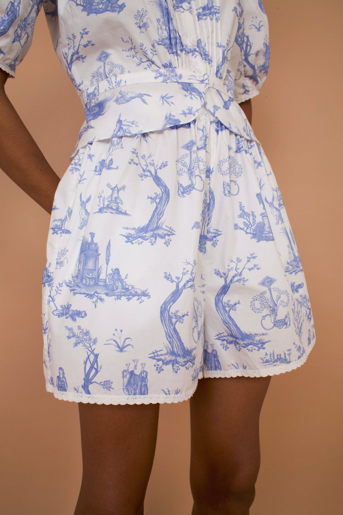 Meadows Caspia Shorts in Toile de Jouy