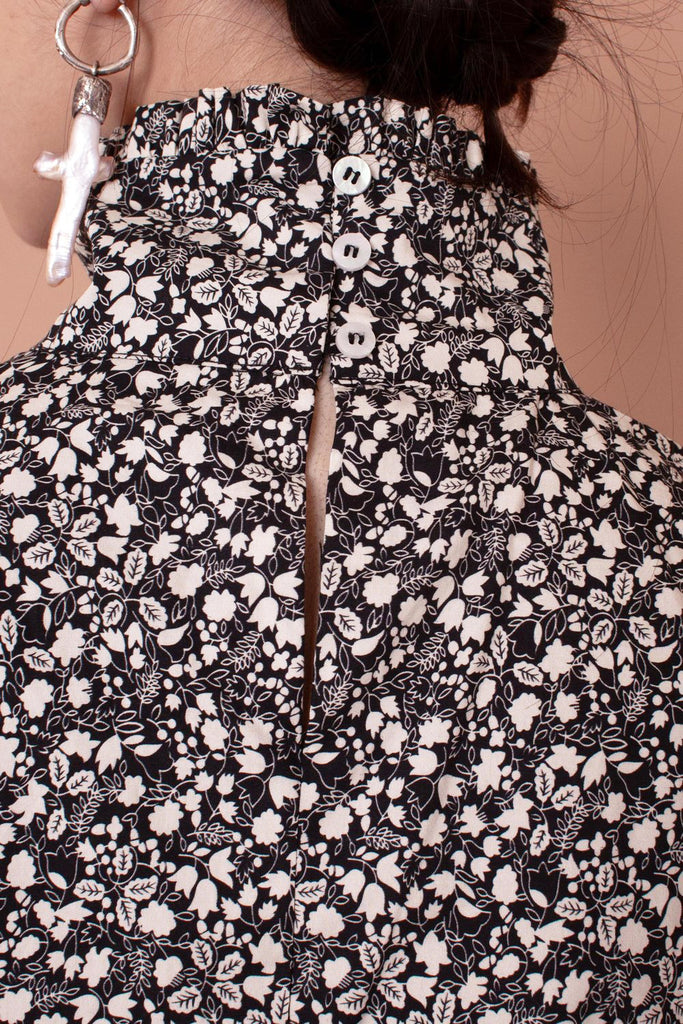 Meadows Carnation top in Black/White Floral