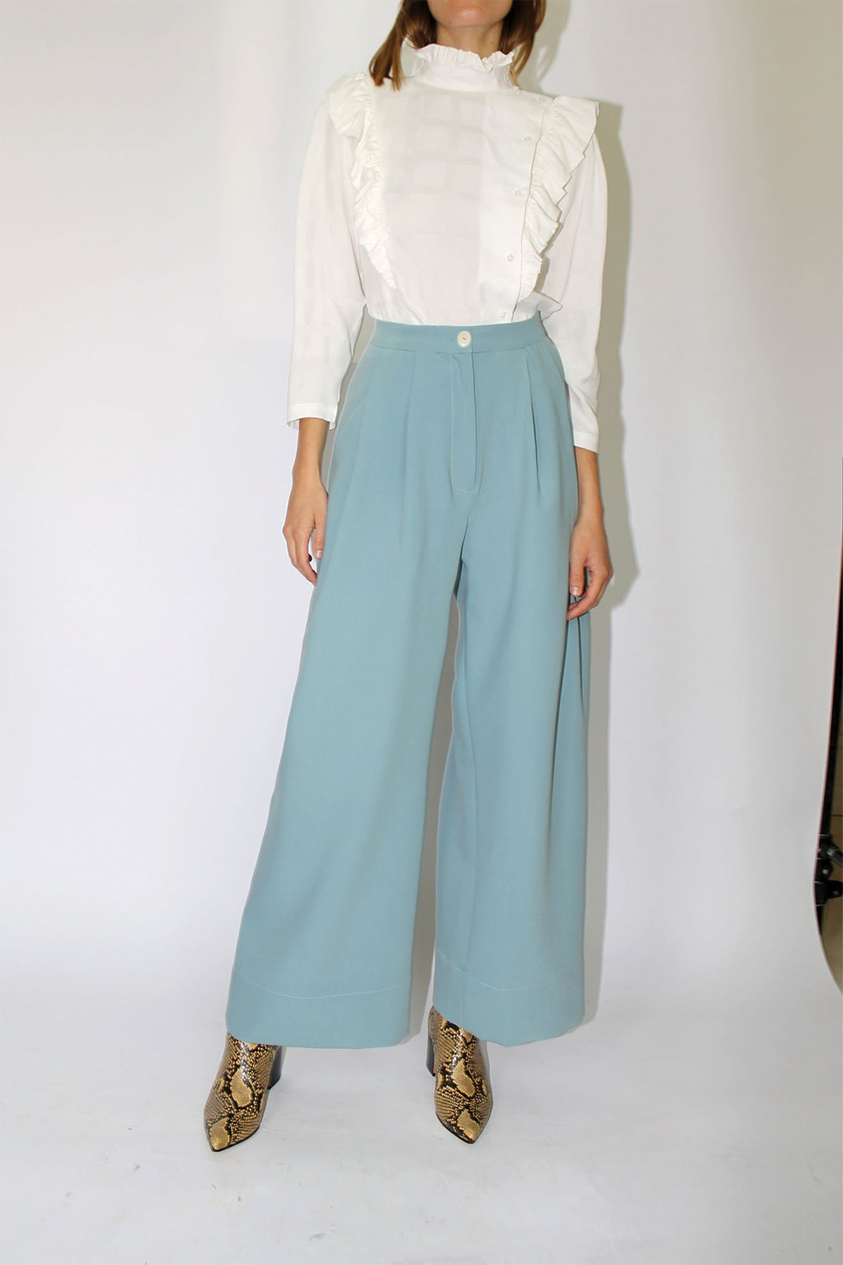 Mr. Larkin Babe Wide Pant in Smoke Blue