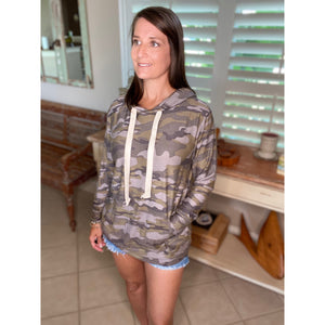 """Perfect Hideout Hoodie"" Camouflage Kangaroo Pocket Drawstring Hoodie Banded Bottom Green S/M/L/XL"