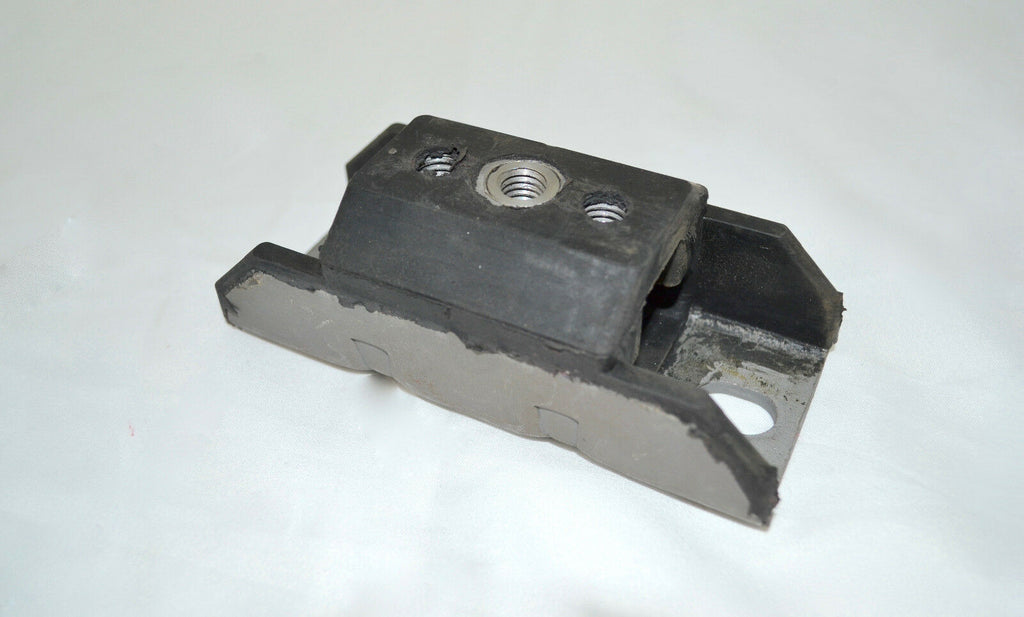 CHEVROLET RUBBER TRANSMISSION MOUNT PAD - SAE-Speed