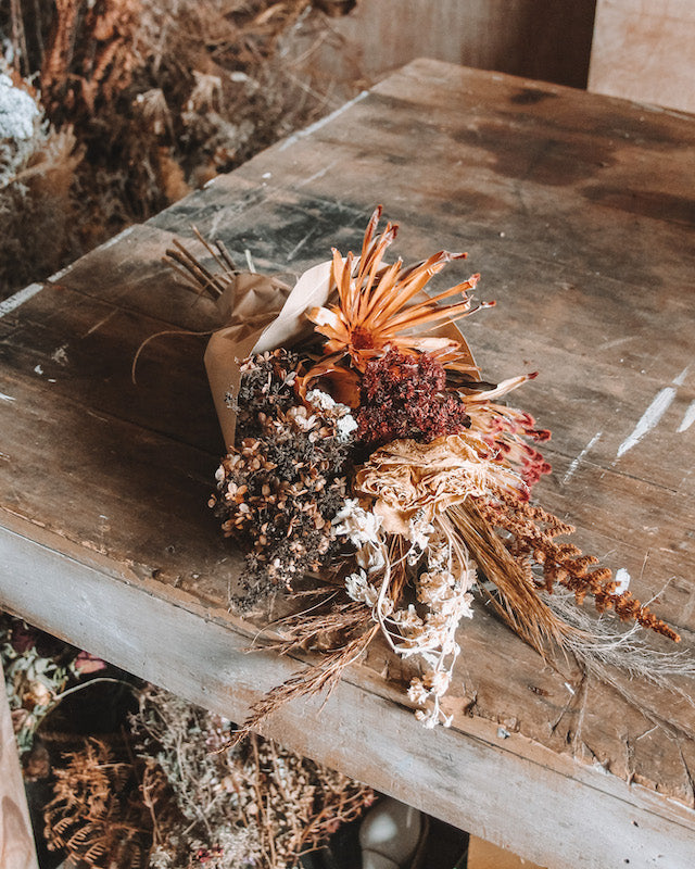 MEDIUM DRIED BOUQUET | RUST